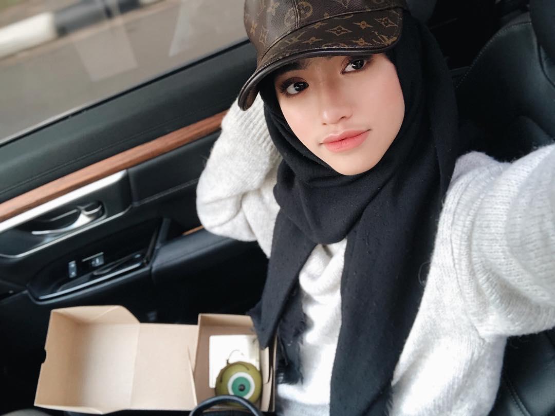 Selebgram Hijabers Super Cantik dan Modis Abis